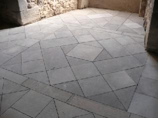 Château de Tournoël – Dallage Volvic
